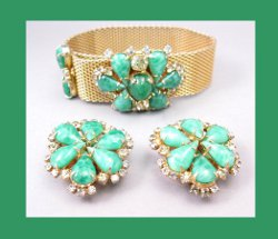 Hobe Green Cabochon and Rhinestone Mesh Bracelet with Earrings Front