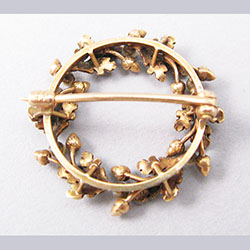 Krementz 14k Gold and Pearl Oak Wreath Pin Back