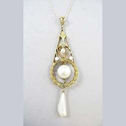 Edwardian Pearl 14k Gold Pendant Front