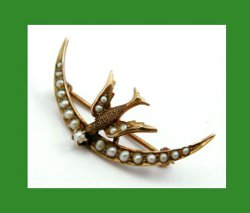 Victorian 10k Gold Bird with Seed Pearls Crescent Pin Front