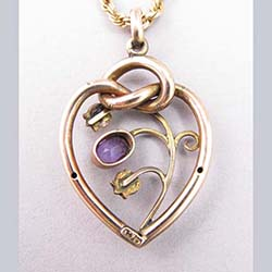 Amethyst and Pearl 9ct Gold Pendant Back