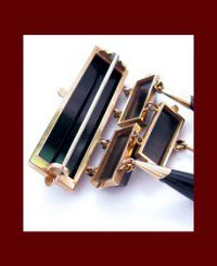 Victorian 14k Gold and Onyx Brooch Side
