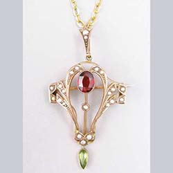 Victorian Peridot and Garnet 9 ct Gold Pendant Front